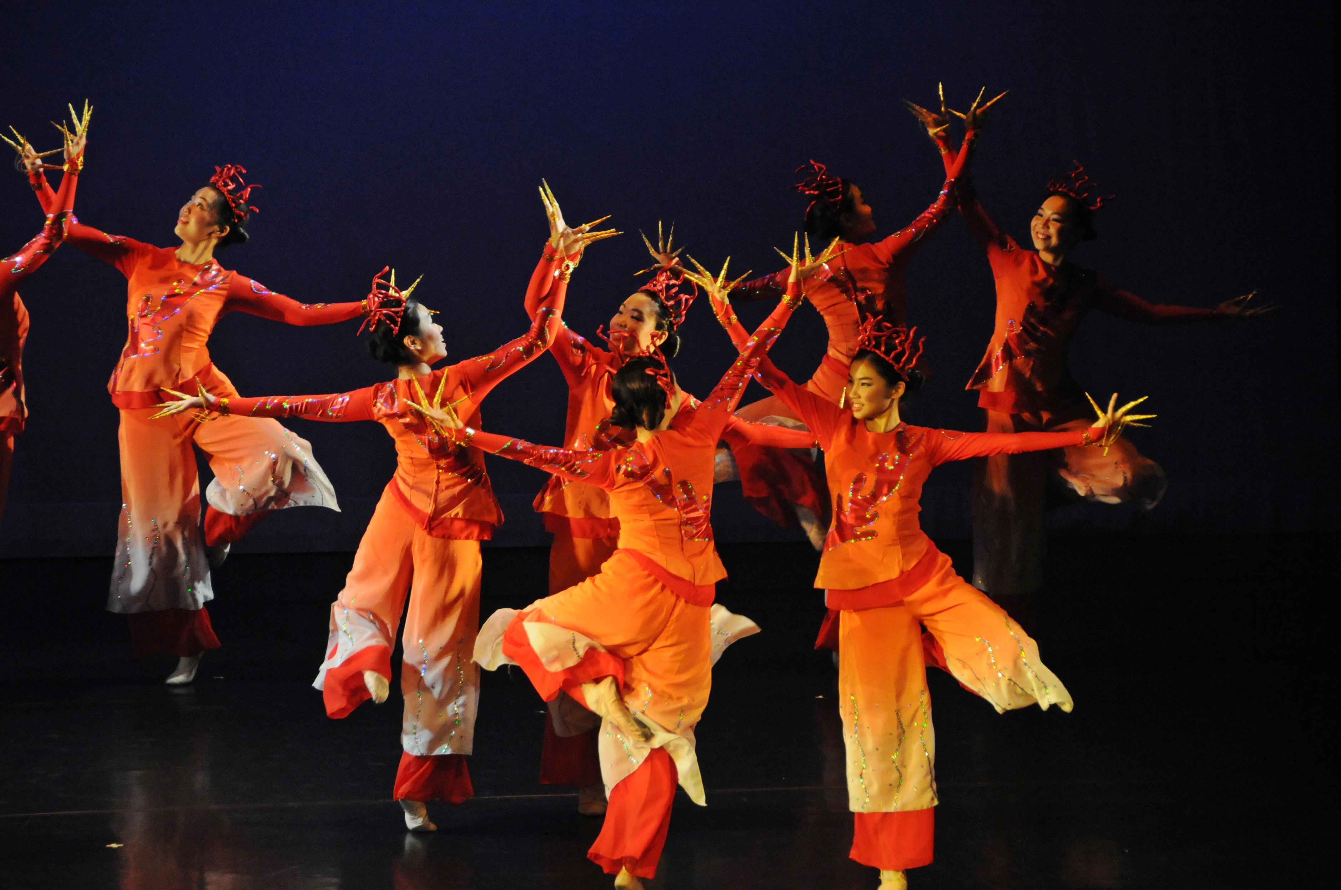 https://www.hkcchoir.org/sites/default/files/youth_dance_2016wu_yuan_chuan_cheng_4.jpg